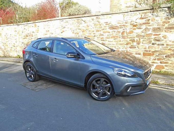 Volvo V40 Cross Country D2 PowerShift Lux